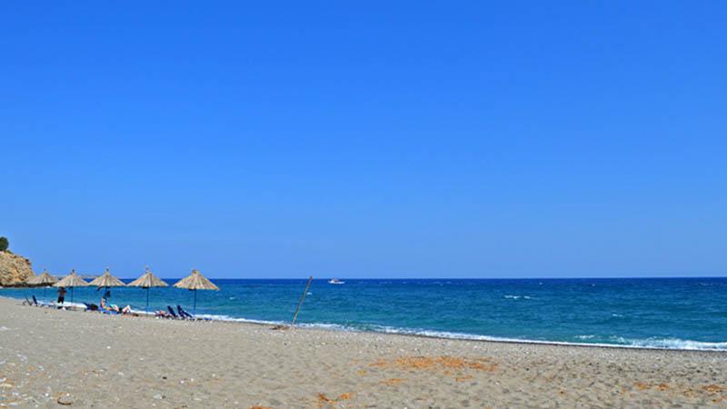 Kalamokanias Beach in Makry Gialos