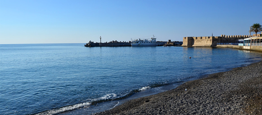The long Ierapetra's beach